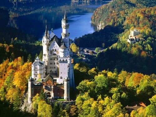 Bavaria Castle Screensaver Screensavers   Download Bavaria Castle 500x375