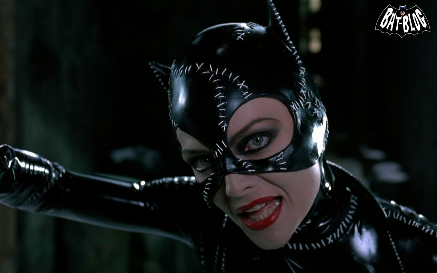 CATWOMAN WALLPAPERS   Michelle Pfeiffer From 1992 BATMAN RETURNS Movie 1440x900