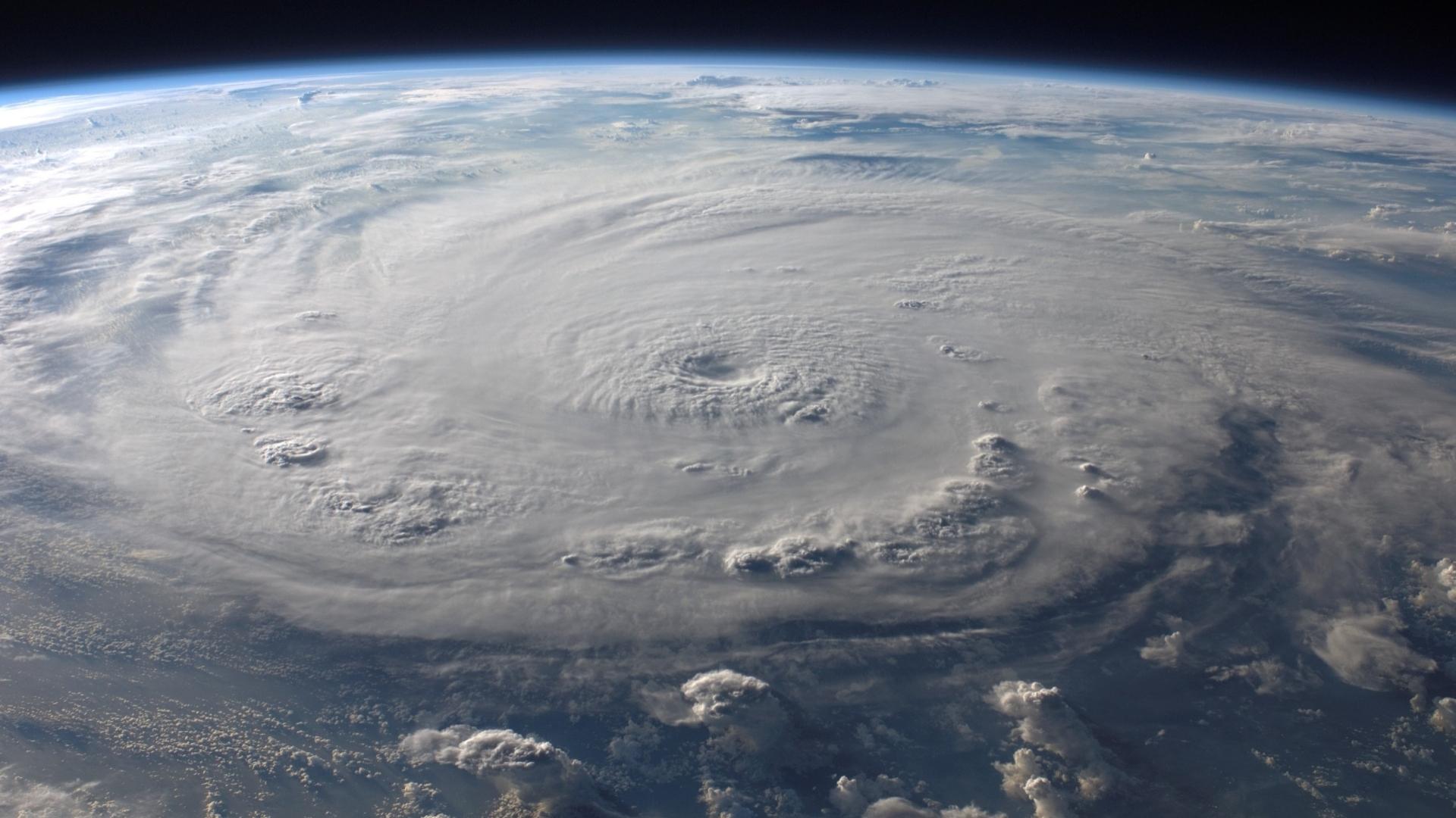 Hurricane Wallpaper Images