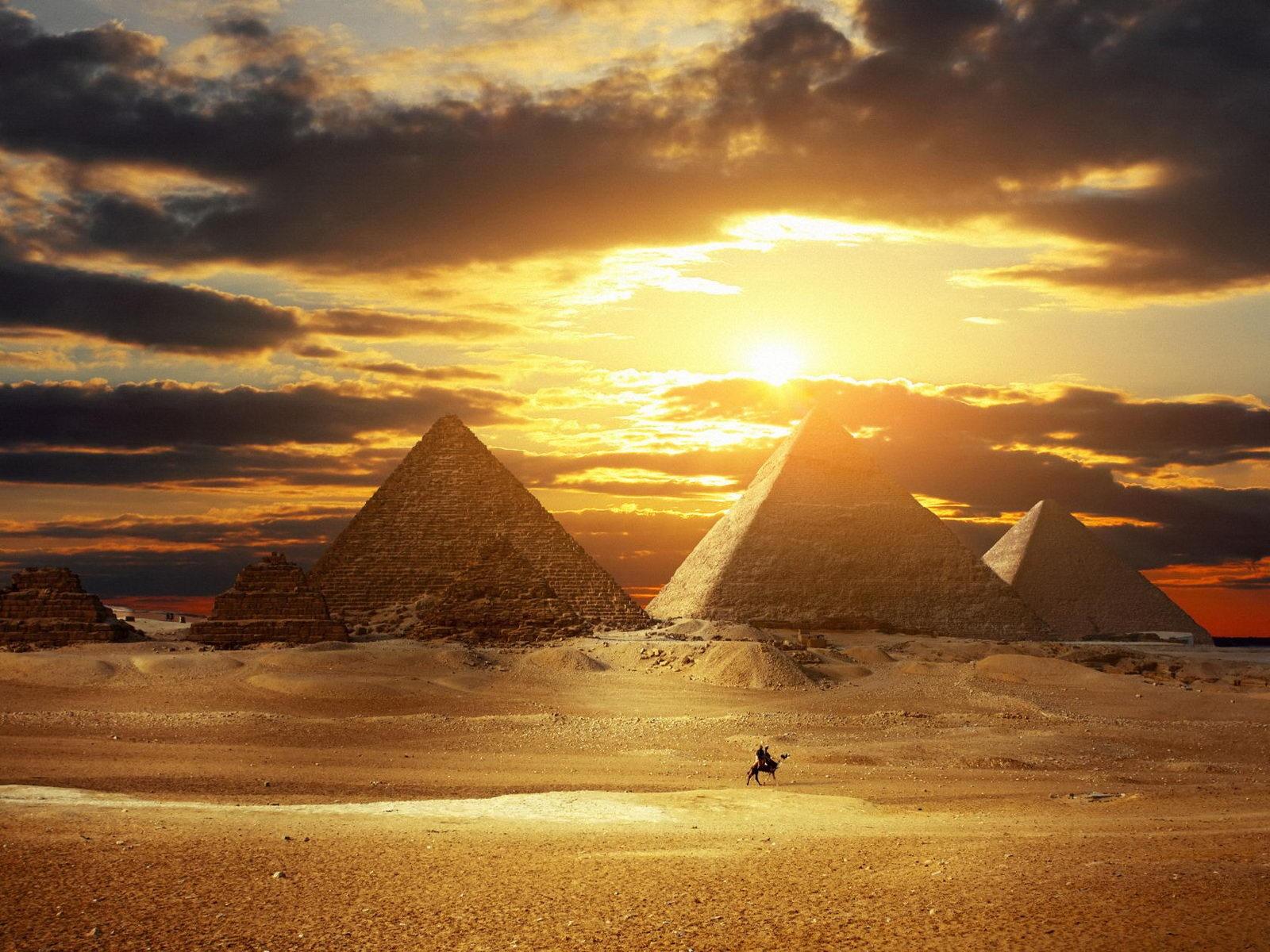 Egyptian Piramids wallpaper   wallpapers download wallpaper 1600x1200