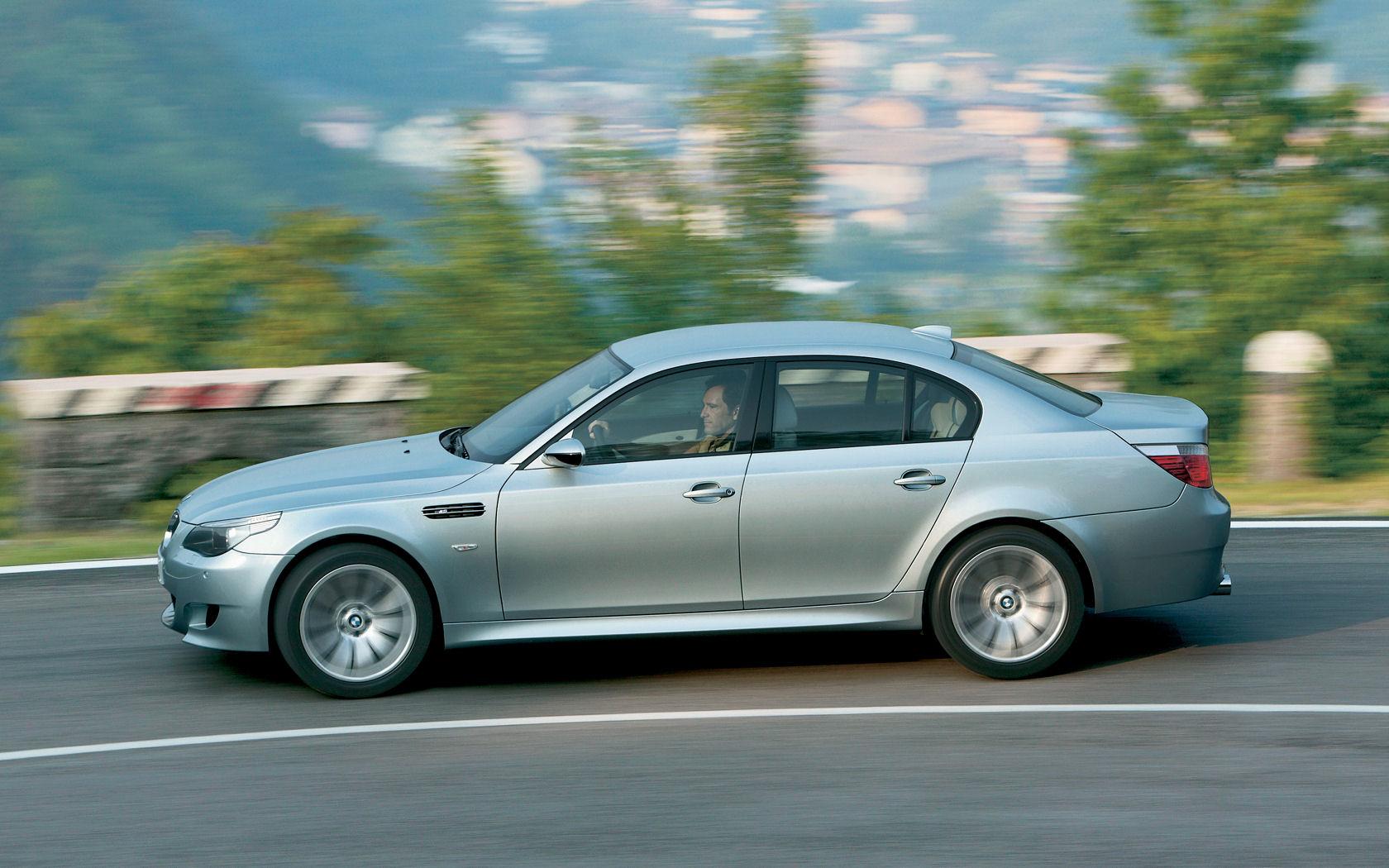 BMW BMW 5 Series BMW 5 Series Desktop Wallpapers Widescreen 1680x1050