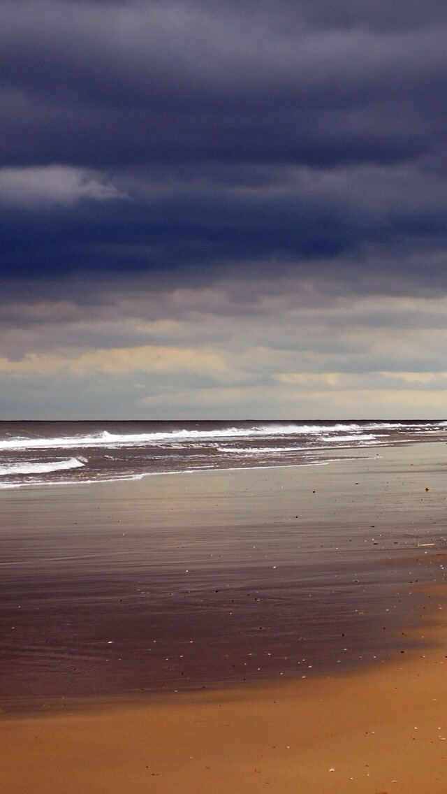 Storm Beach 640x1136