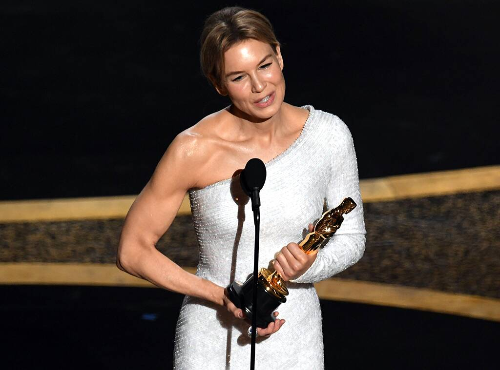 Rene Zellweger Sweeps Awards Season With Her 2020 Oscars Win E 1024x759