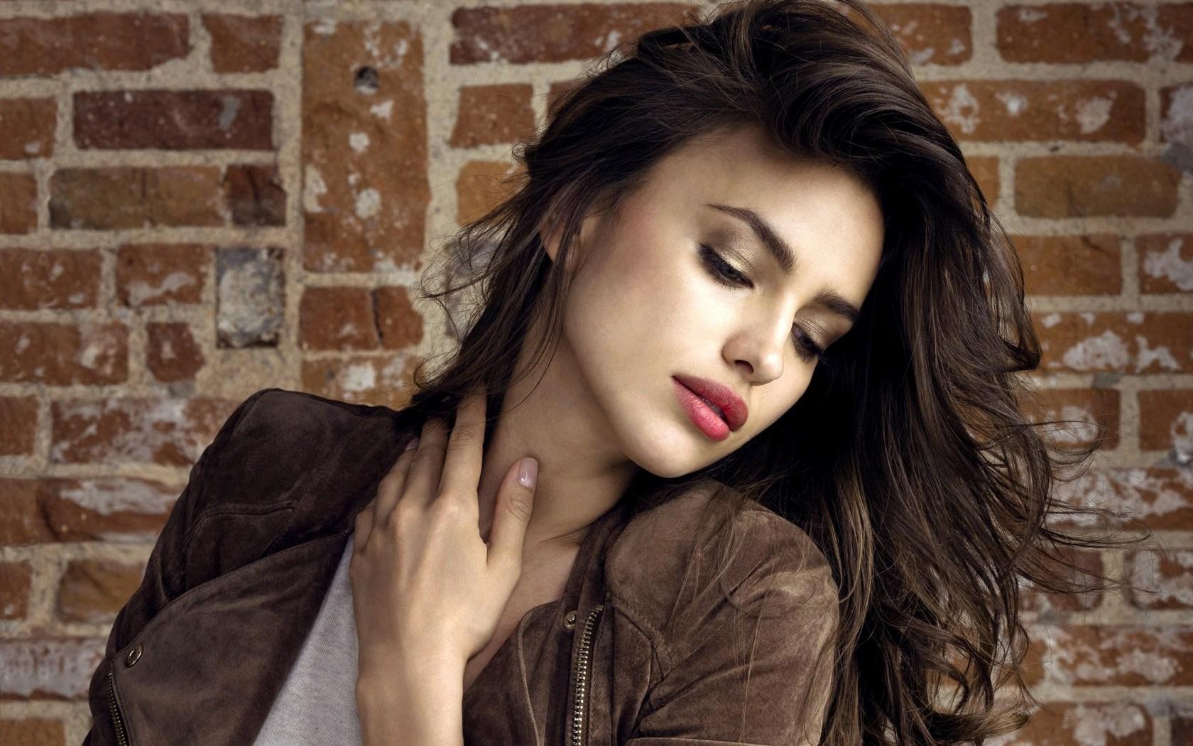 Irina Shayk Model Girl wallpaper Gallery 1680x1050