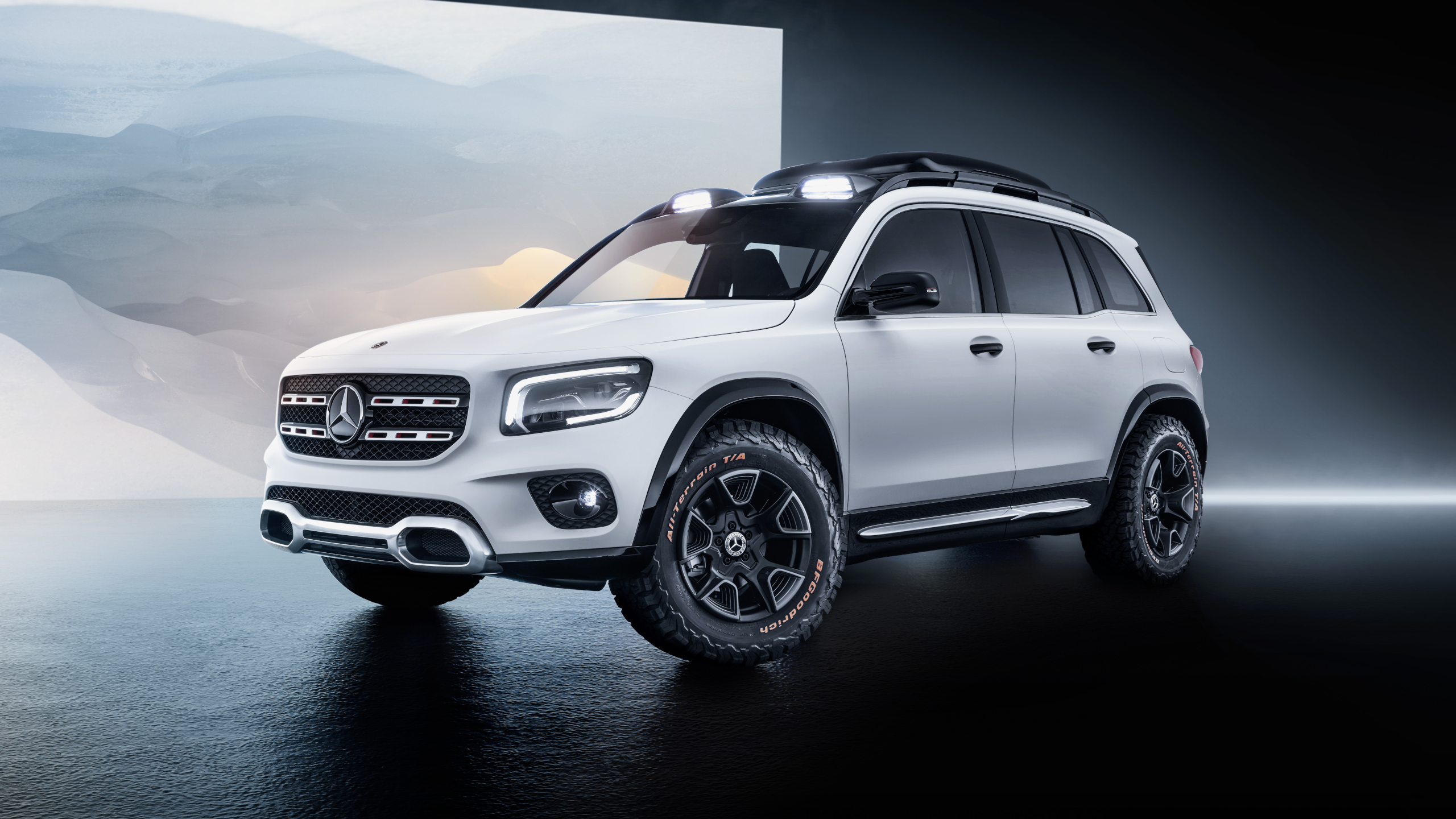 World premiere of the Mercedes Benz Concept GLB 2560x1440