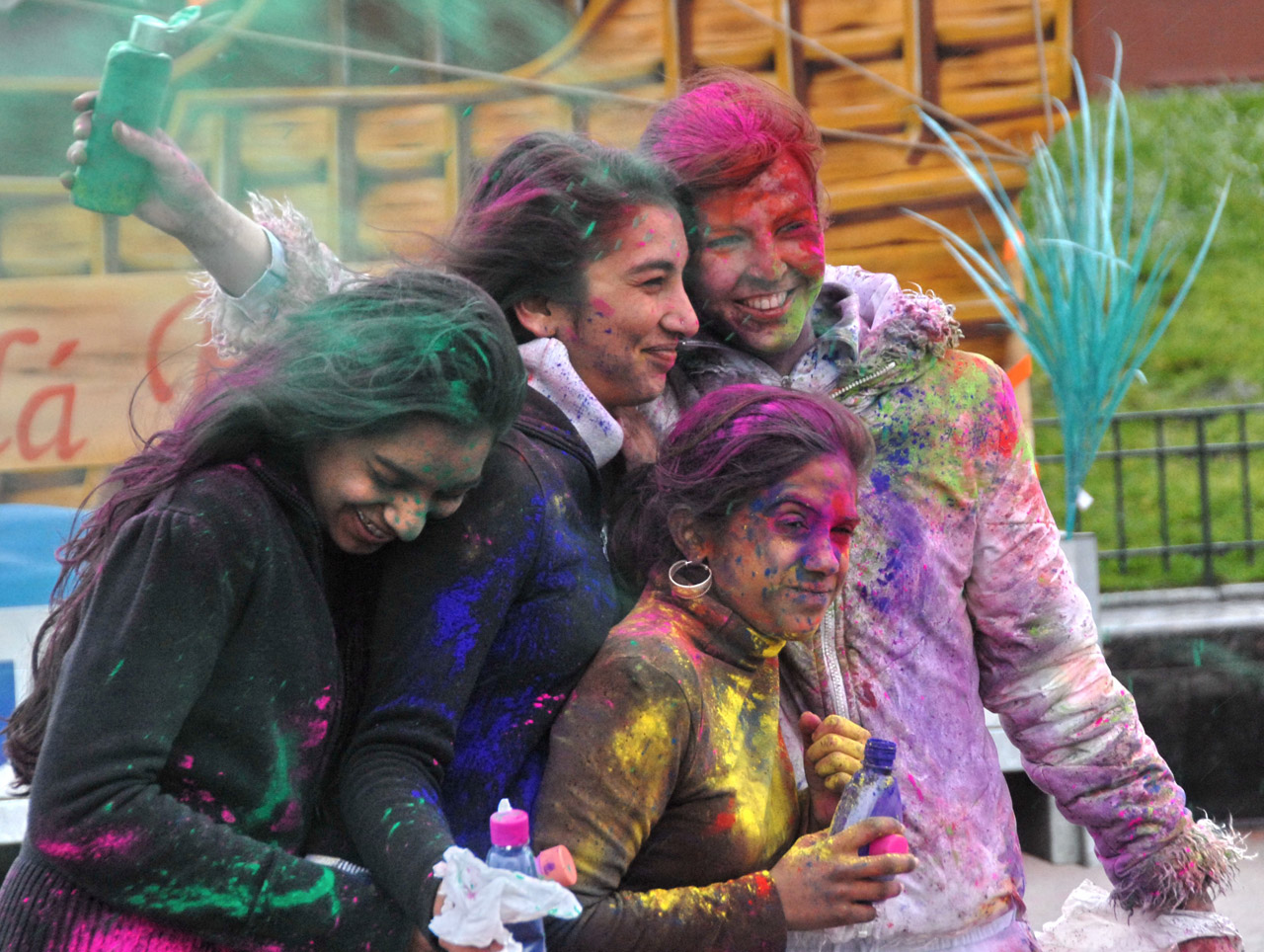Colorful Holi Wallpapers Download HD Wallpaper Desktop 1280x964
