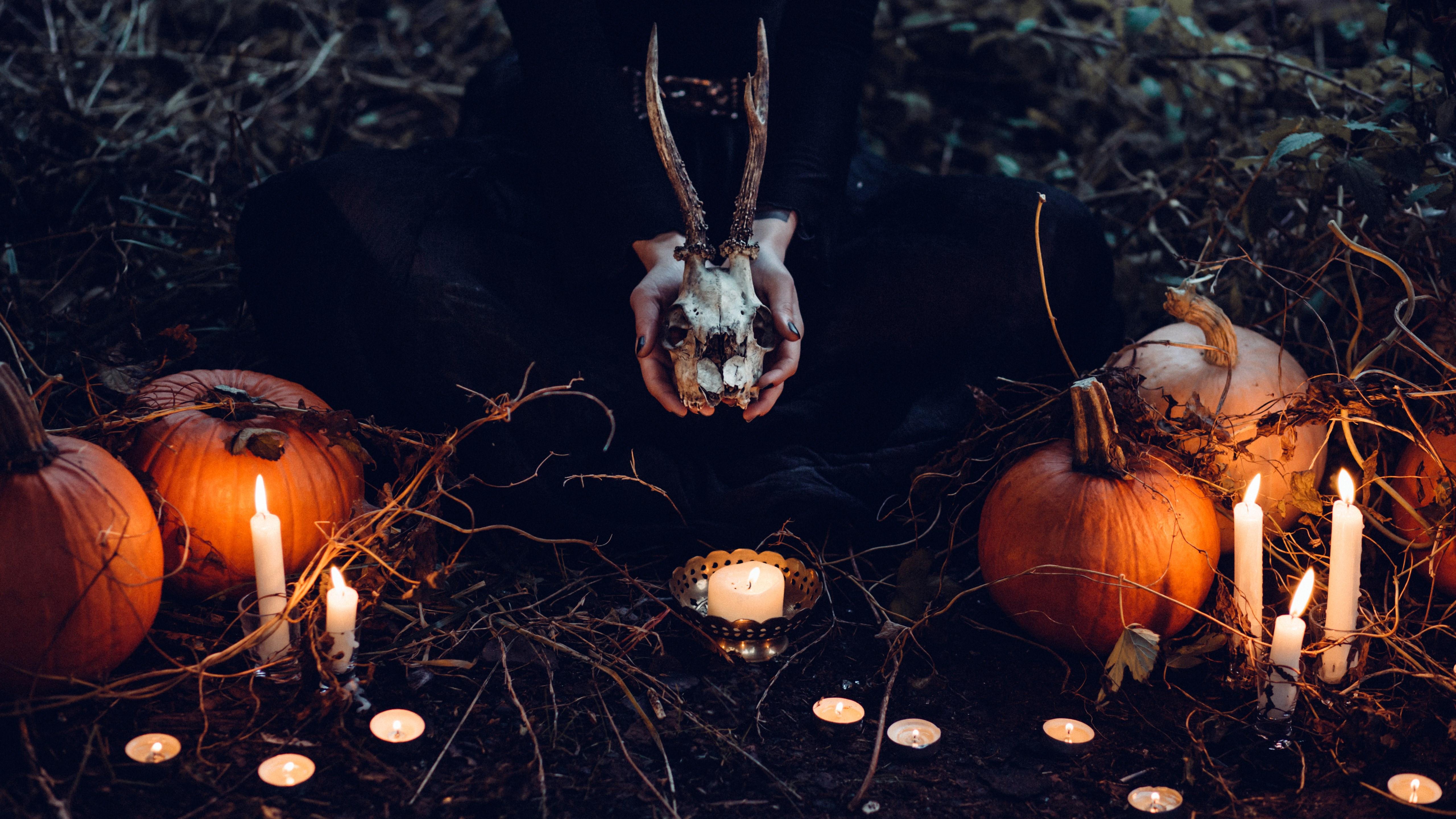 Download wallpaper Halloween ritual 5120x2880 5120x2880