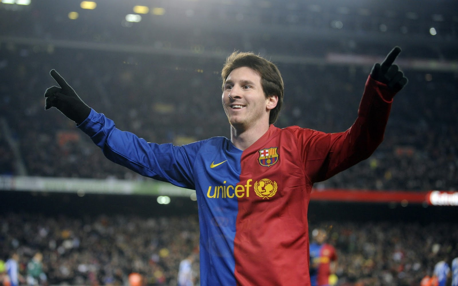 lionel messi hd wallpapers messi old hair style hd wallpaper 1600x1000