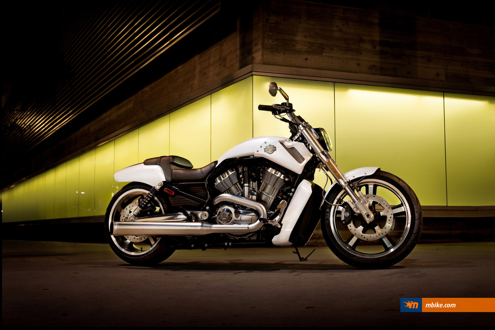 2011 Harley Davidson VRSCF V Rod Muscle Wallpaper   Mbikecom 1600x1067