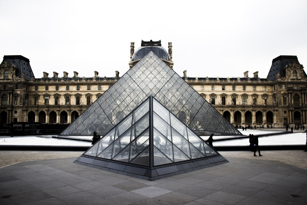 Louvre Pictures [HD] Download Images on Unsplash 1000x667