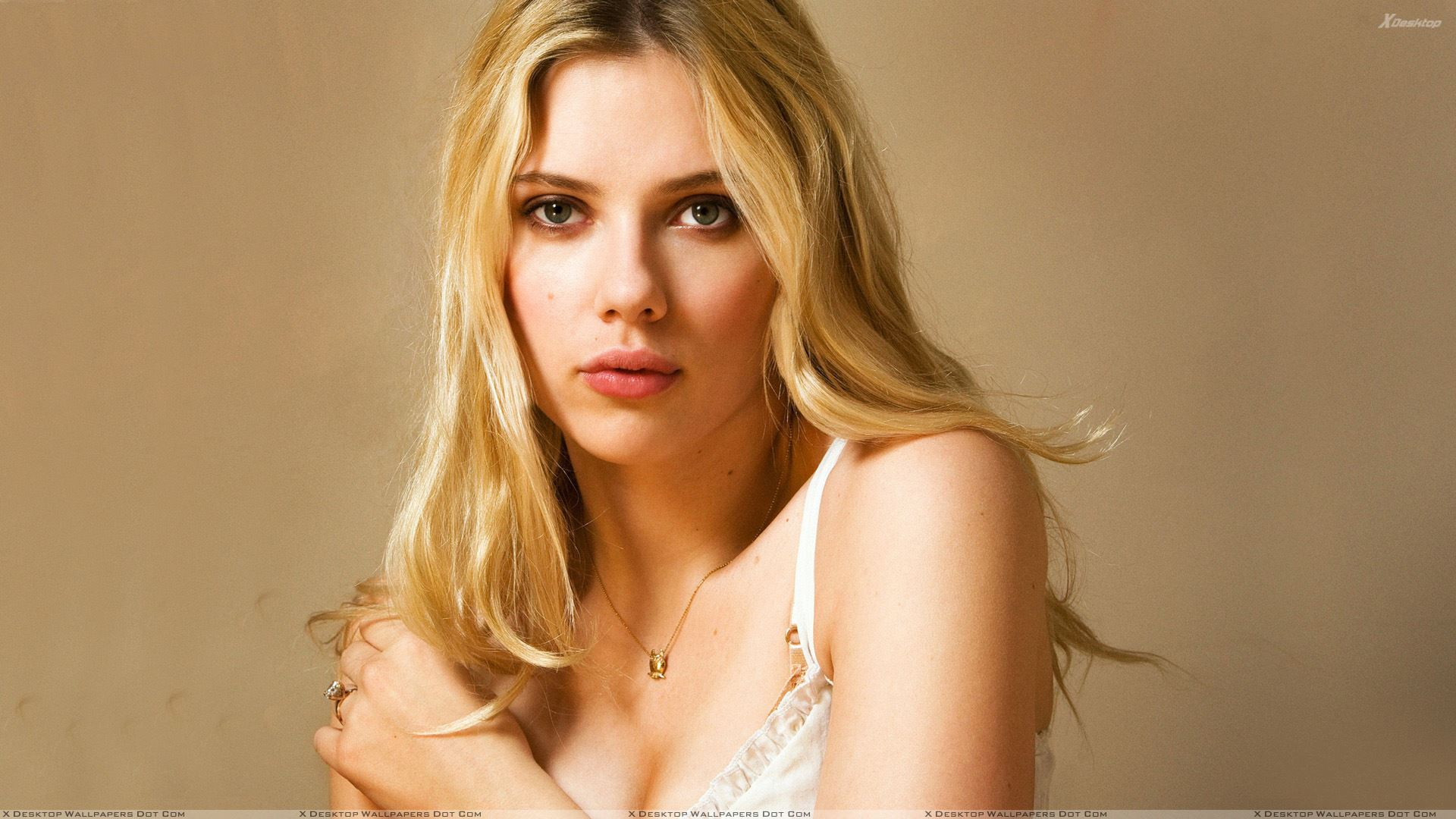 Scarlett Johansson Wallpapers Photos Images in HD 1920x1080