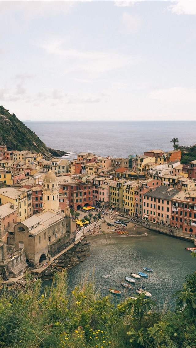 Vernazza Cinque Terre Italy May 2019 iPhone Wallpapers Download 640x1136
