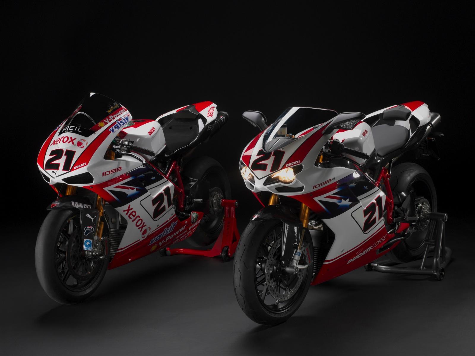 Ducati 1098R Bayliss Race Vs Street Wallpapers Ducati 1098R Bayliss 1600x1200