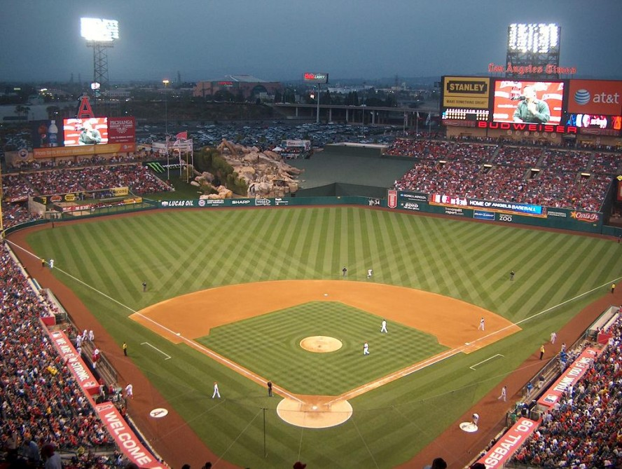 comanaheim california angel stadium was originally calledhtml 888x669