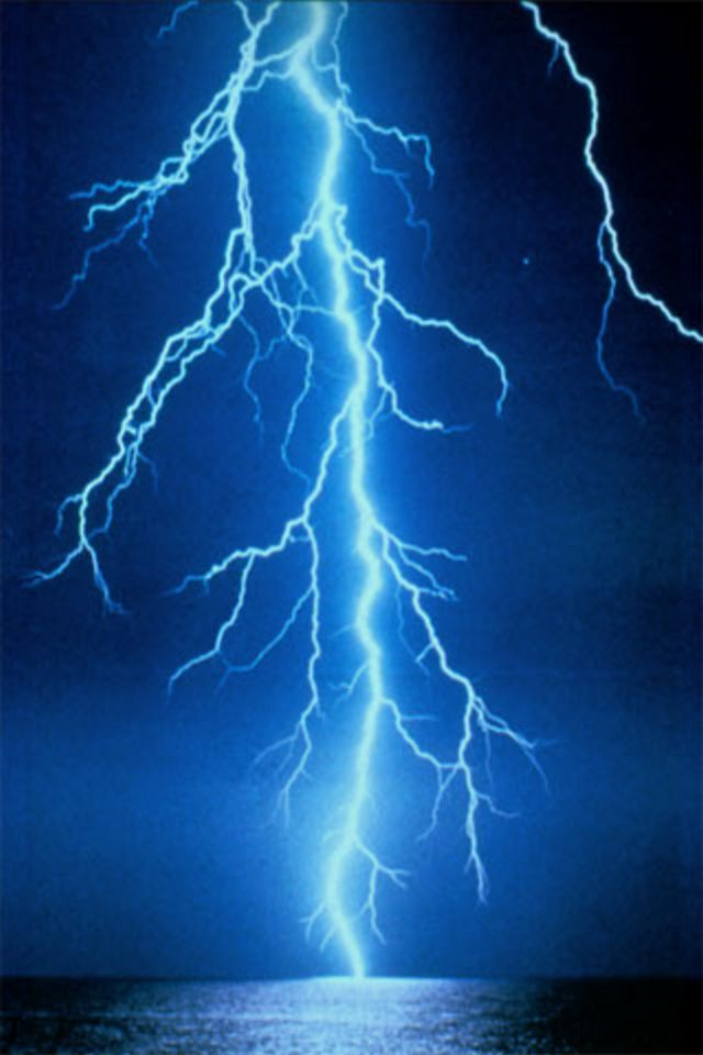 Lightning iPhone Wallpaper HD 640x960