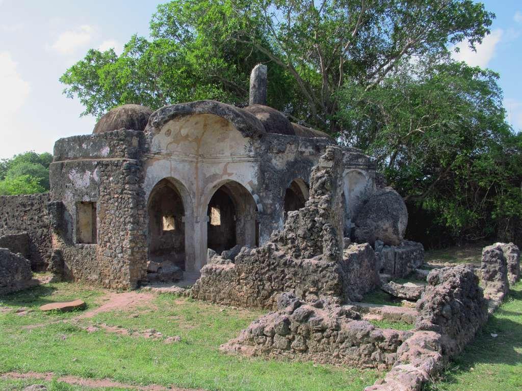 The 15th century Small Domed Mosque on Kilwa Kisiwani Island 1024x768