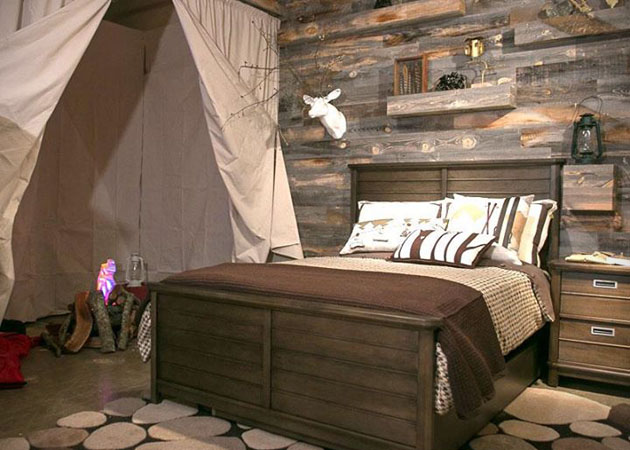 Simple DIY Reclaimed Wood Wall Planks For Your Bachelor Pad   The 630x450
