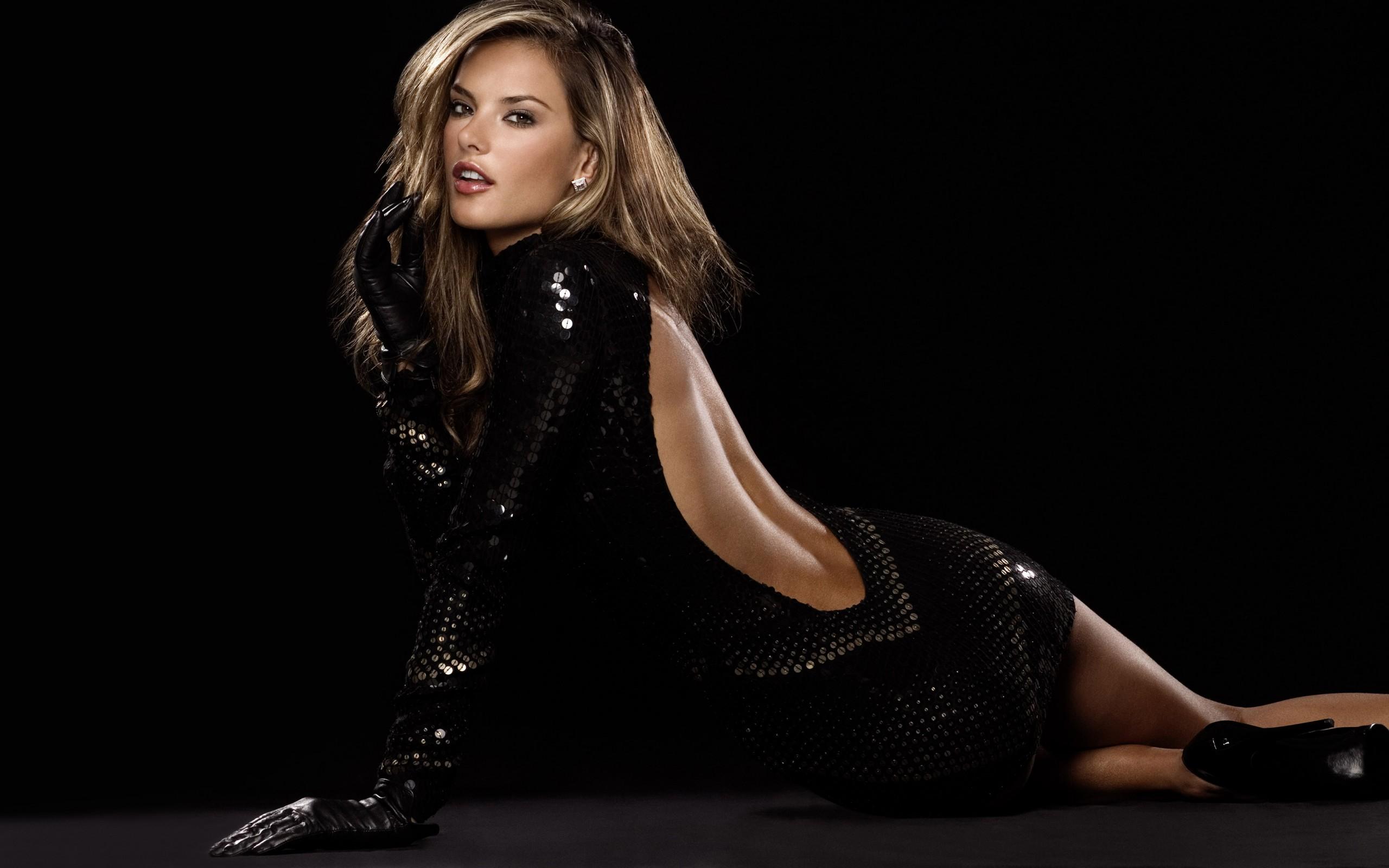 Brunette in black dress 4K Ultra HD wallpaper 4k WallpaperNet 2560x1600