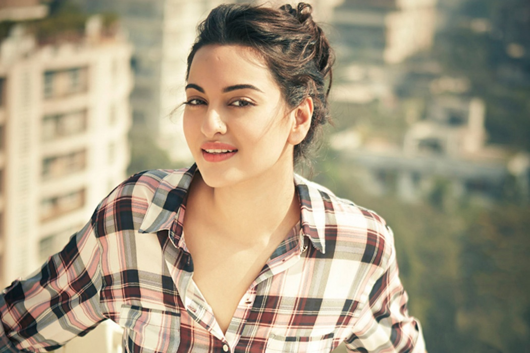 Sonakshi Sinha Beautiful Bollywood Girl wallpaper Best HD Wallpapers 1050x700