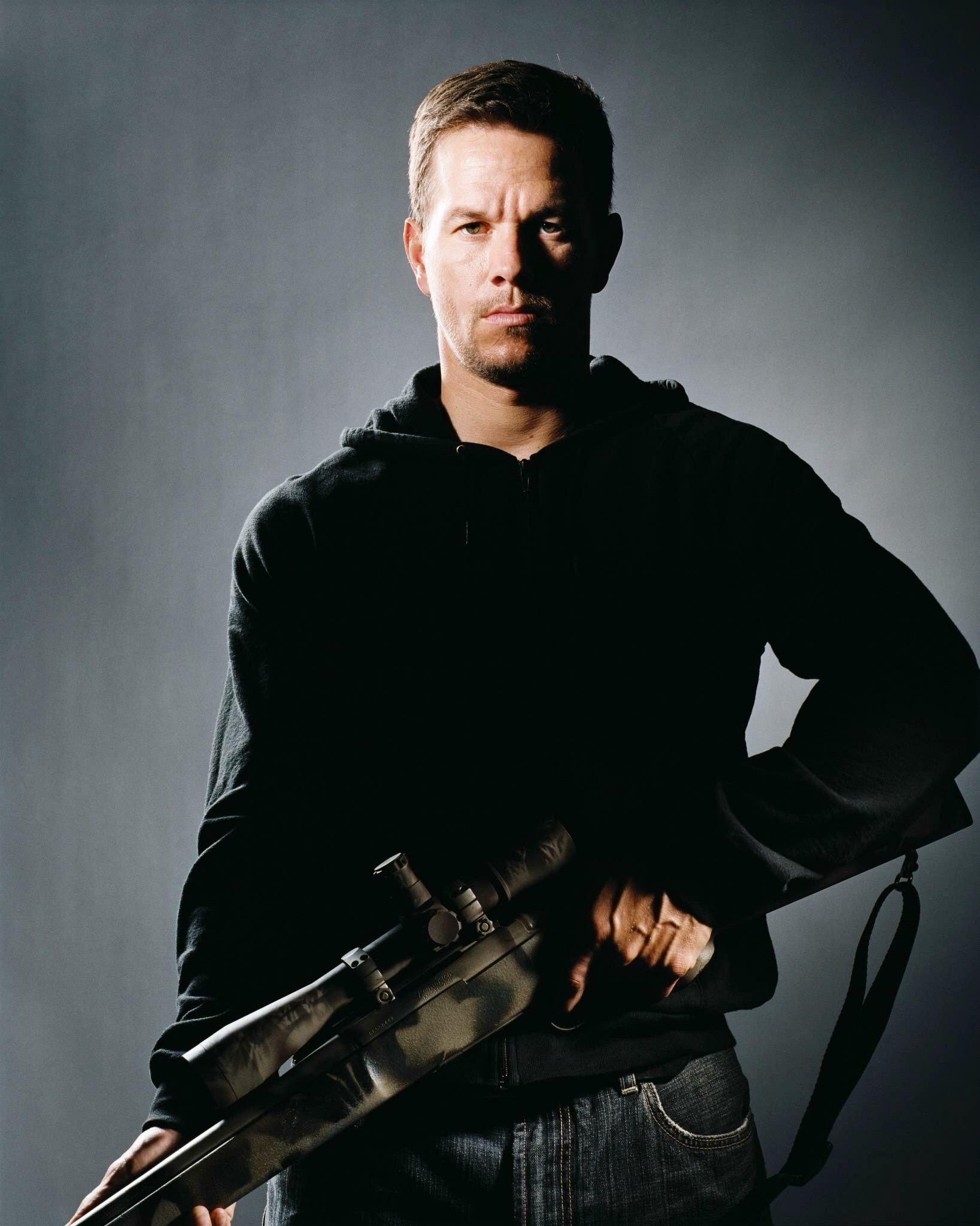 SHOOTER 2007 MARKWAHLBERG in 2019 Mark Wahlberg The 1637x2048