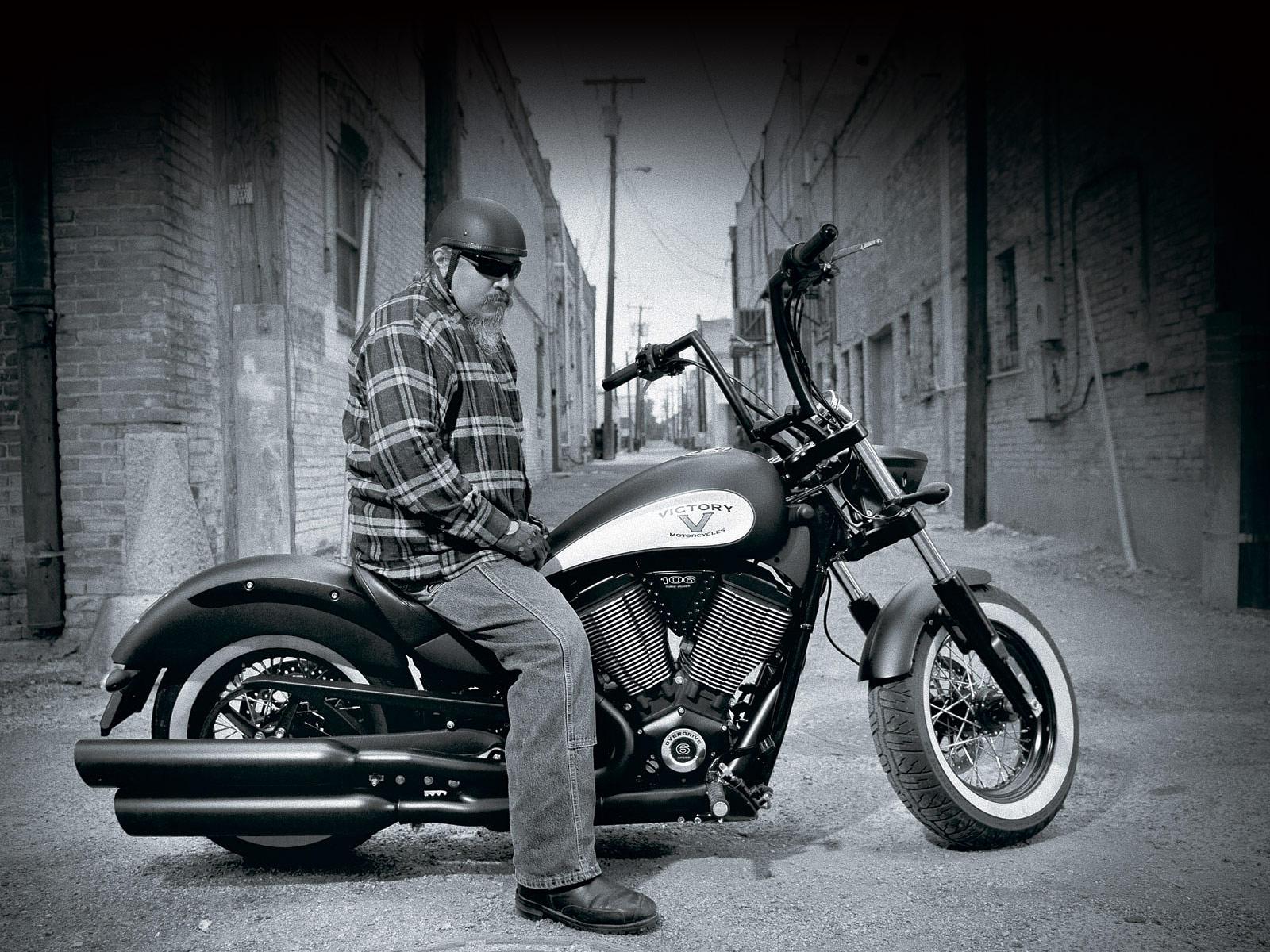 2012 VICTORY High Ball Motorcycle Desktop Wallpaper 1600x1200