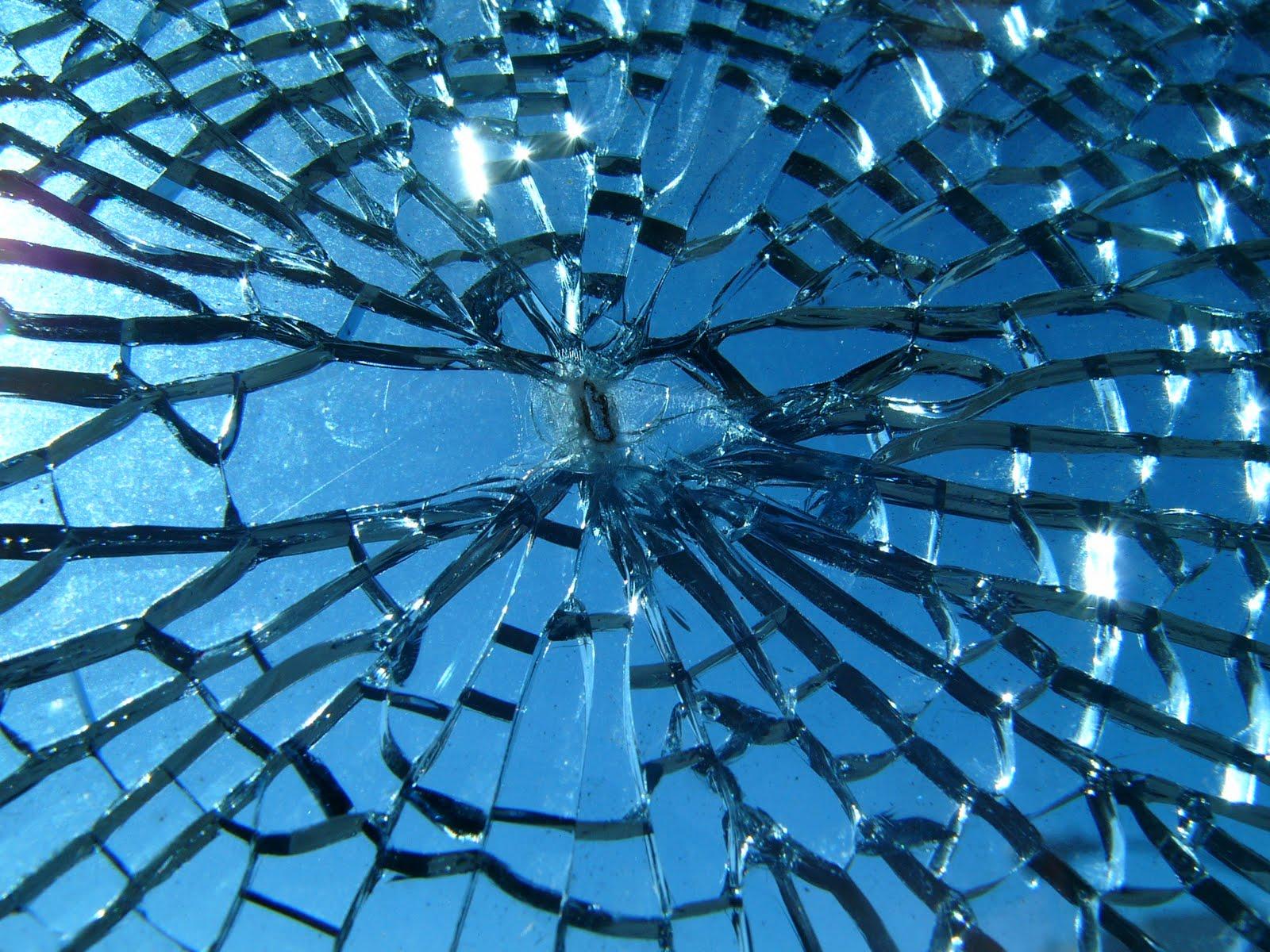 45 Realistic Cracked and Broken Screen Wallpapers   Technosamrat 1600x1200