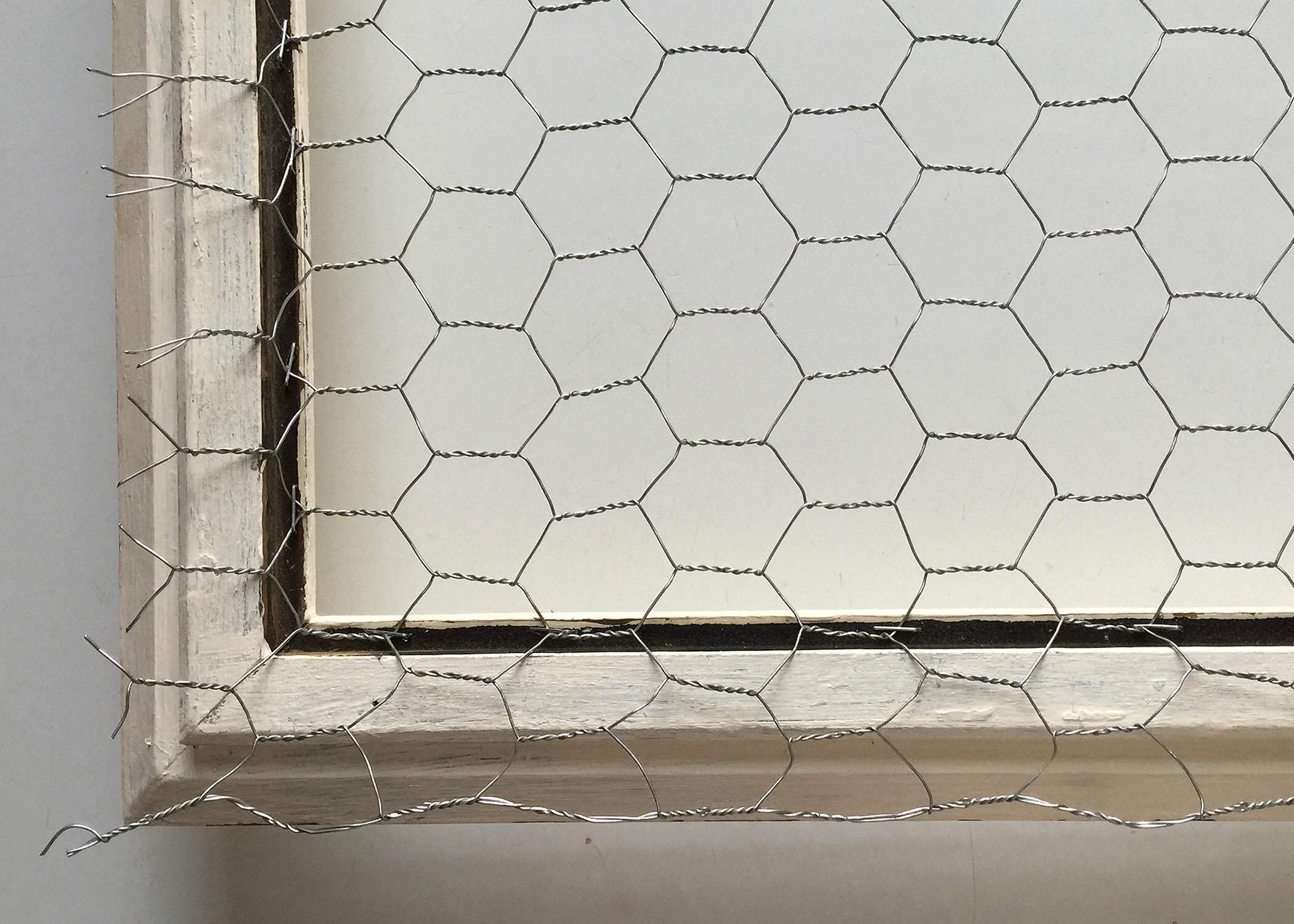 Photo courtesy of TESORI Staple the chicken wire next to the inside 2100x1500