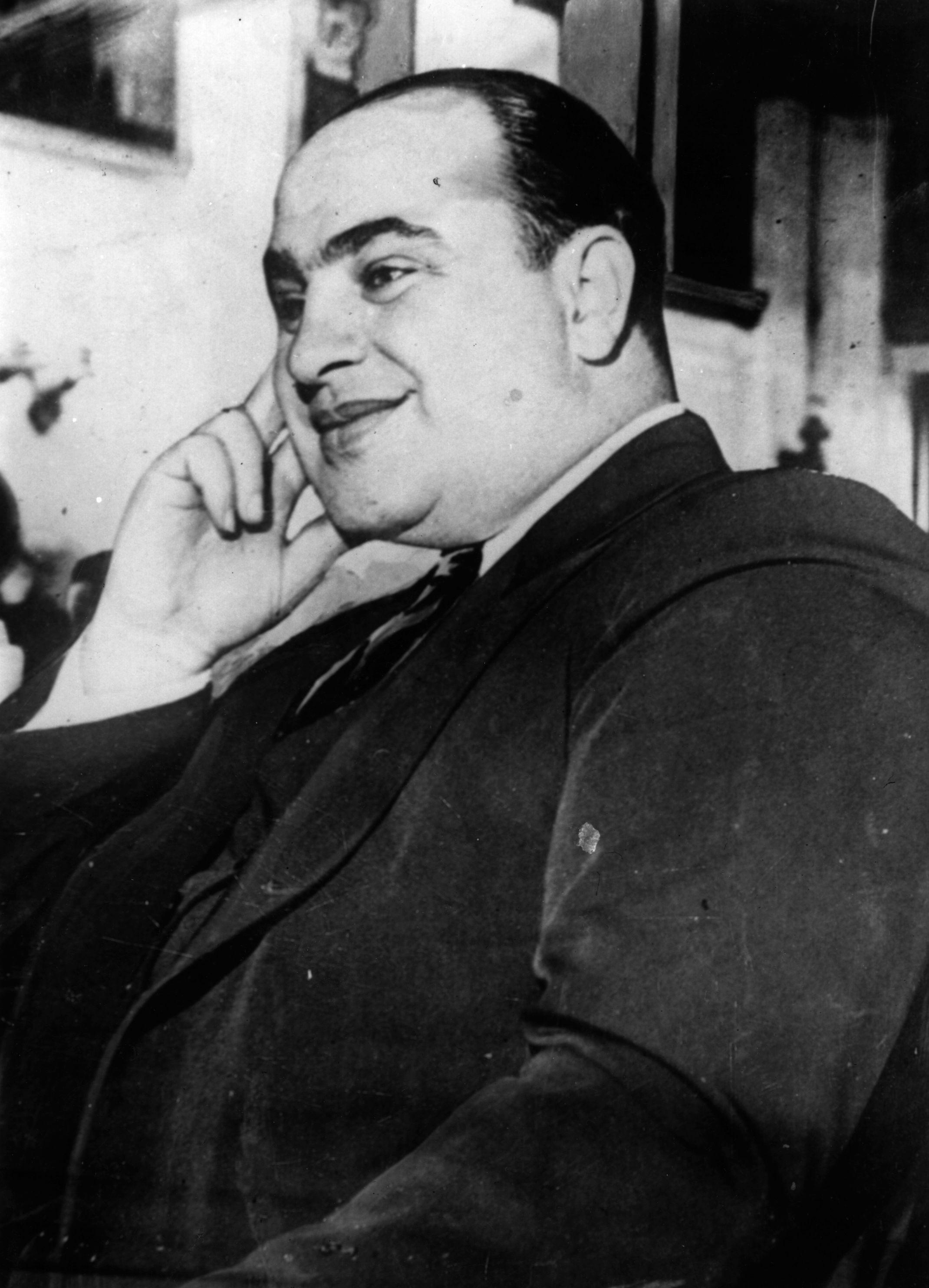 La Capone Wallpaper - Viewing Gallery