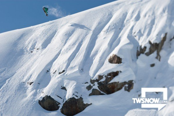 Wednesday Wallpaper Mid Winter Powder TransWorld Snowboarding 600x400