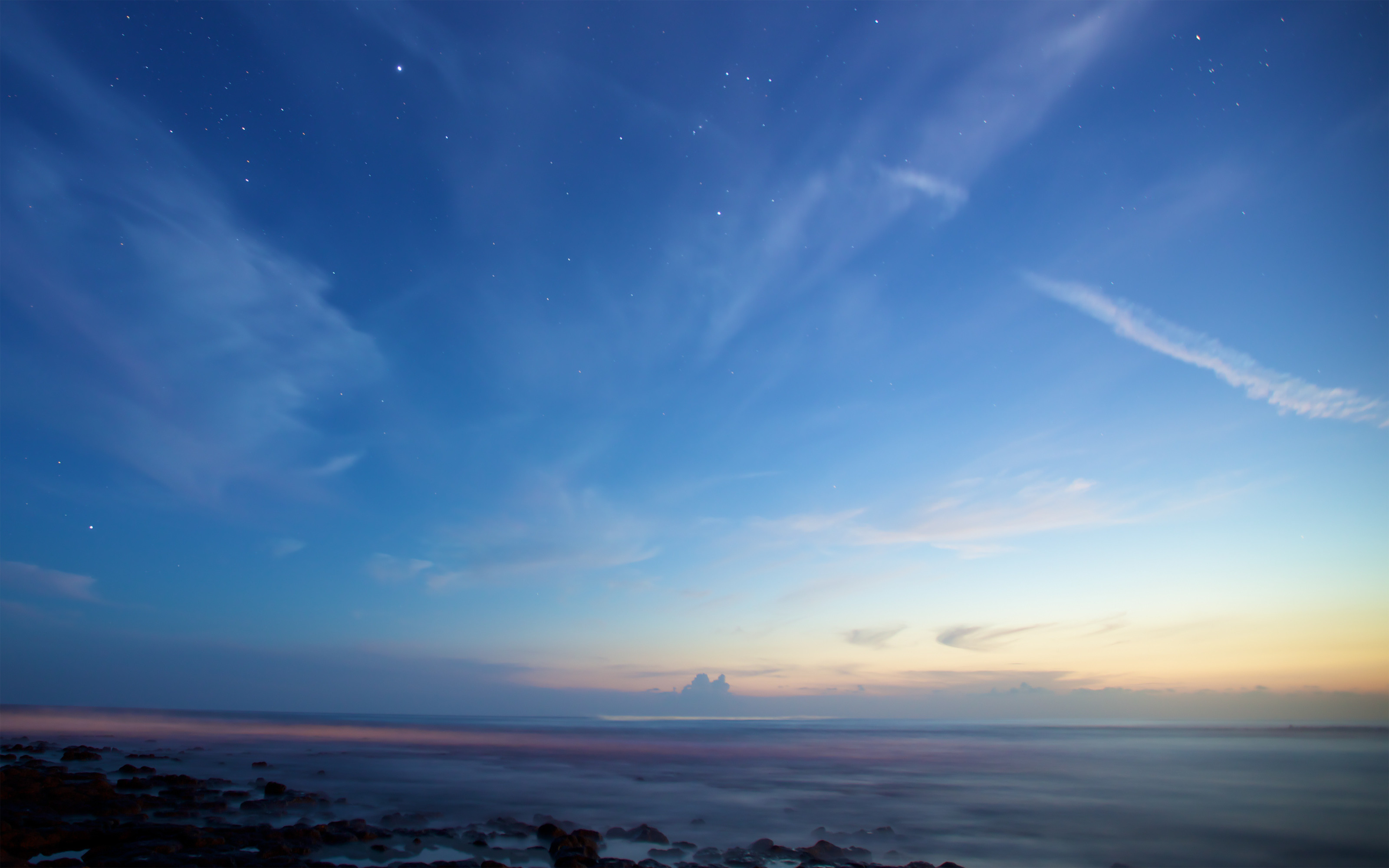 15 Beautiful New Wallpapers from OS X Mountain Lion 3200x2000