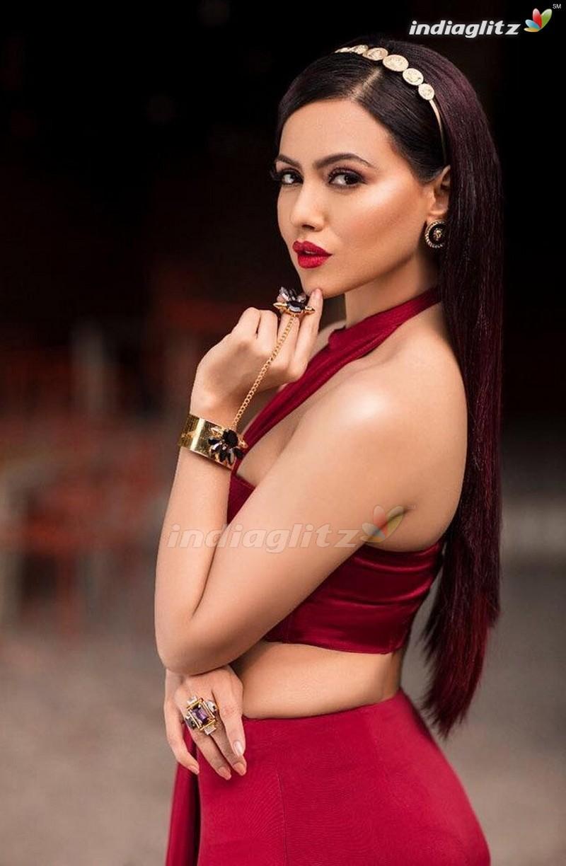 Sana Khan Photos   Bollywood Actress photos images gallery 800x1224