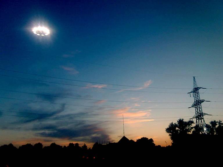 UFO Photography cini clips 768x575