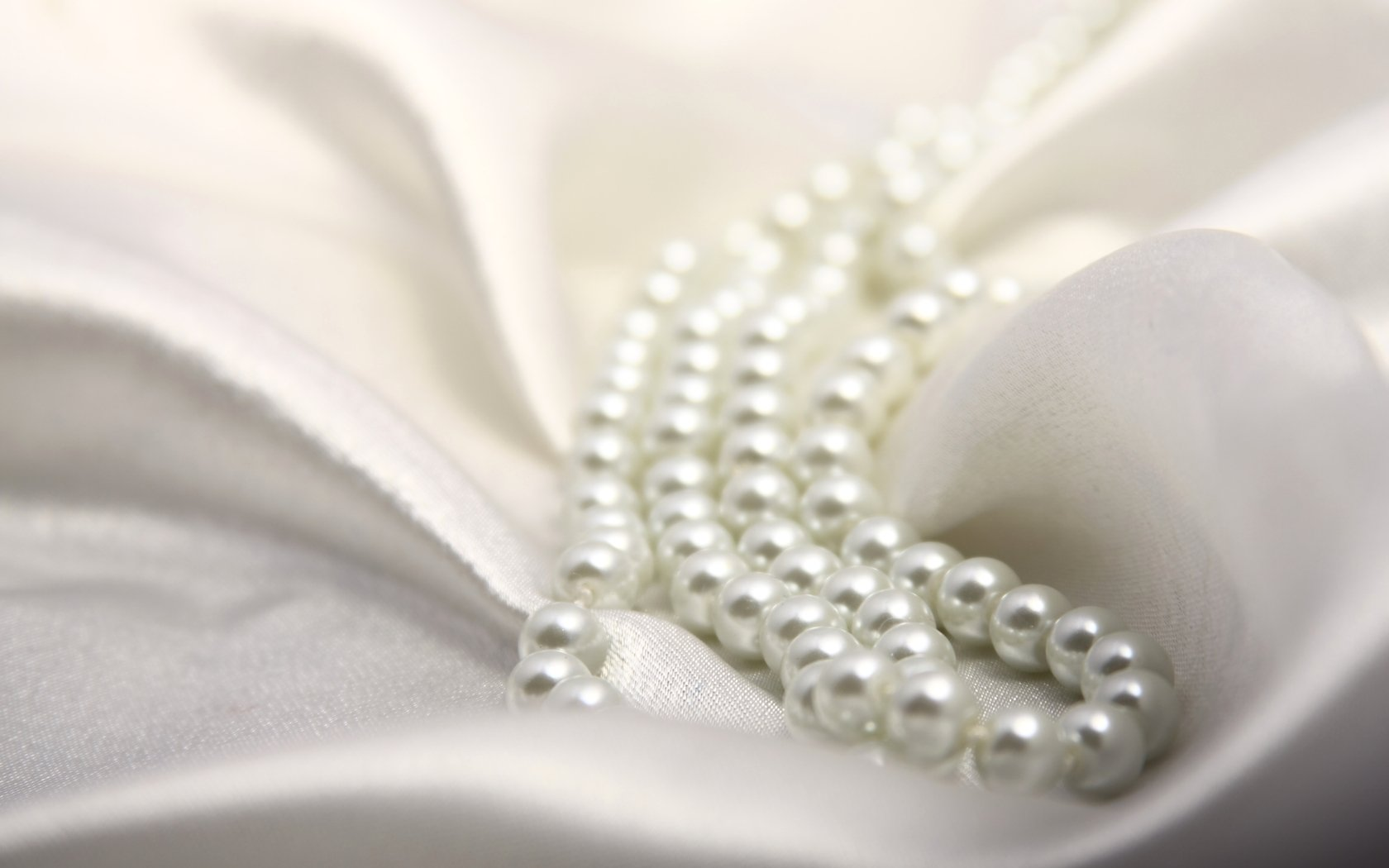 White Pearls   Colors Wallpaper 34512494 1680x1050