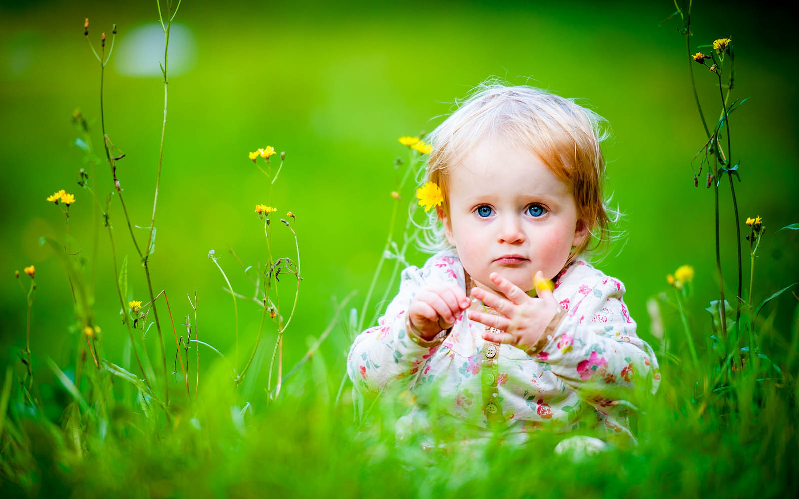Baby Girl Wallpaperswallpapers screensavers 1600x1000