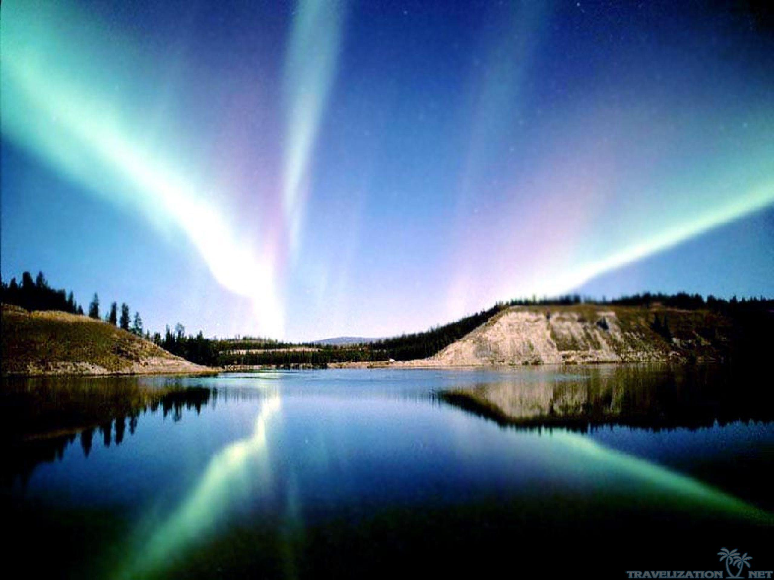 Wallpapers Backgrounds   Magical Sights Aurora Borealis Wallpapers 2560x1920