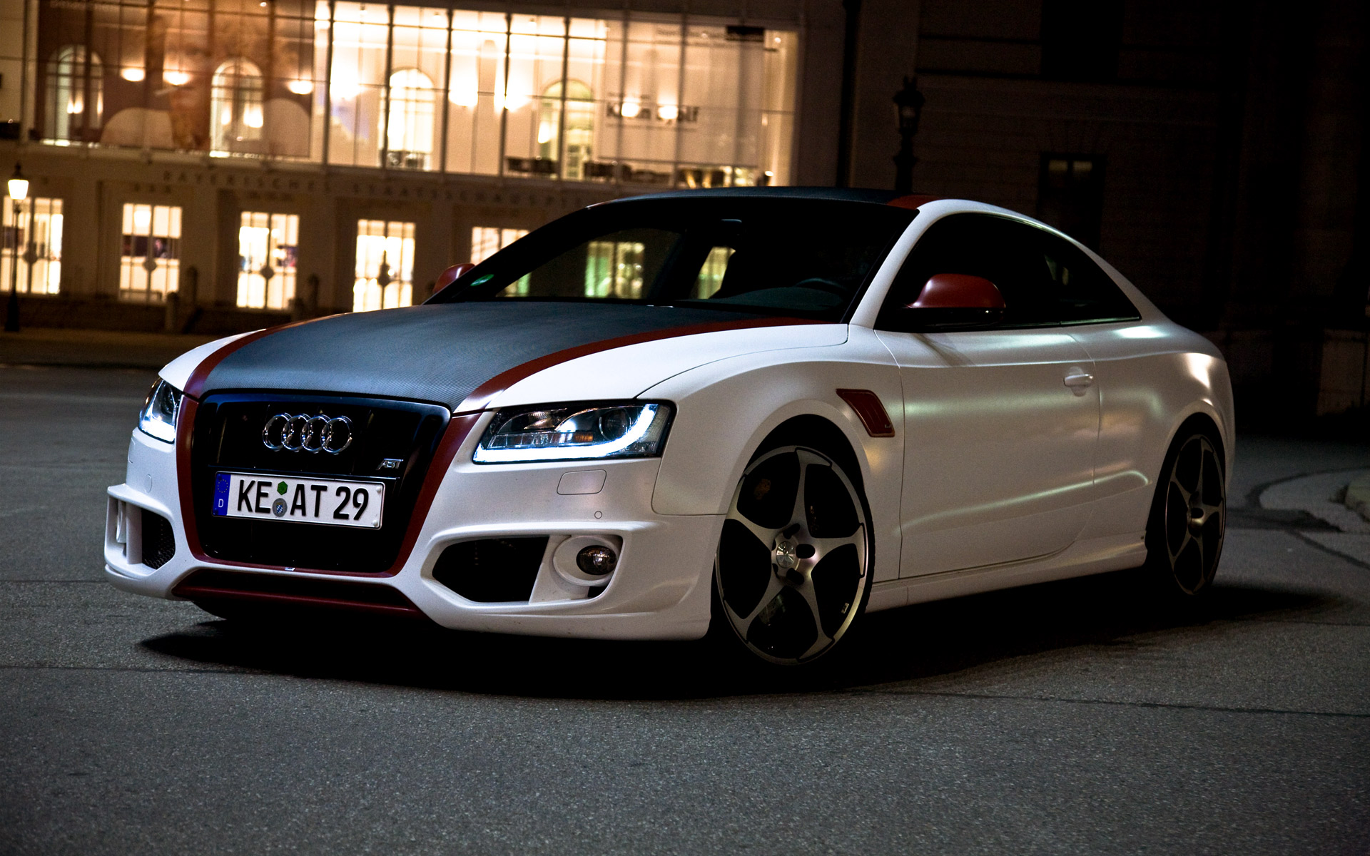 Audi A5 красная купе  № 3761301 без смс
