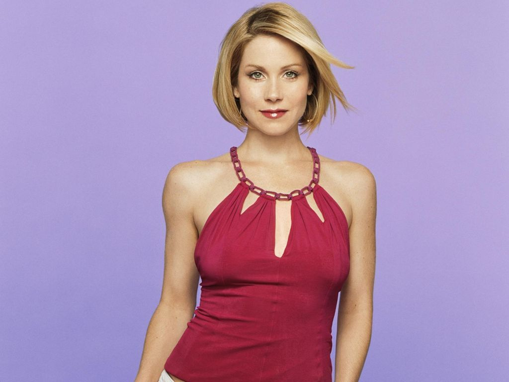 Wallpapers Hot Red Christina Applegate 1024x768 61952 hot 1024x768