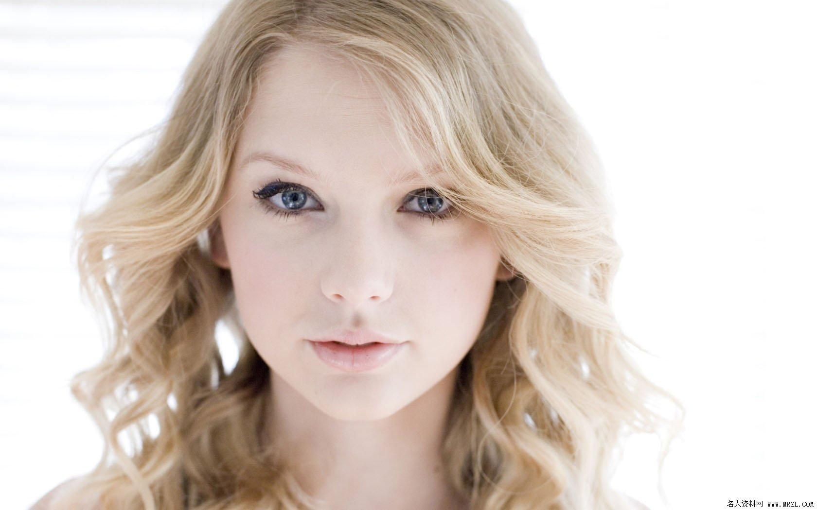 Taylor Swift10 1680x1050