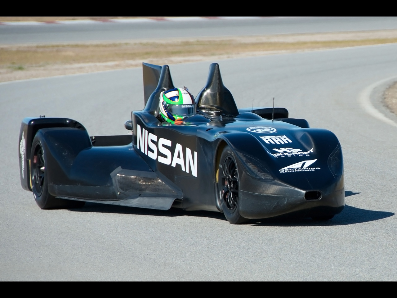 Nissan Deltawing Le Mans Race Car Moving 3 1280x960 Wallpaper 1280x960