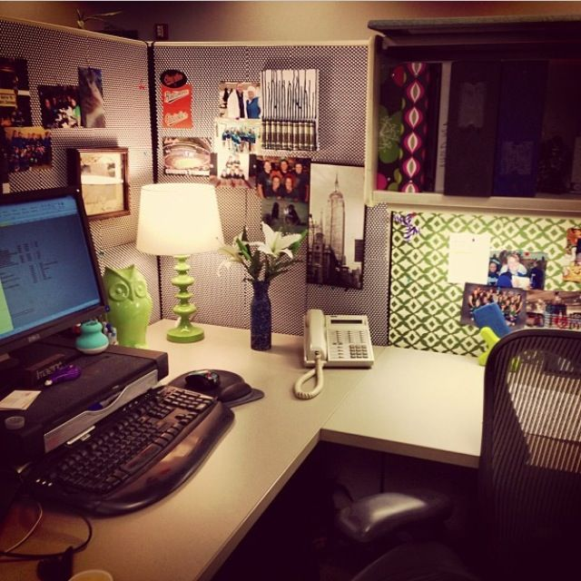 wallpaper and the owl My Cubicle Pinterest Cubicles Desks 640x640