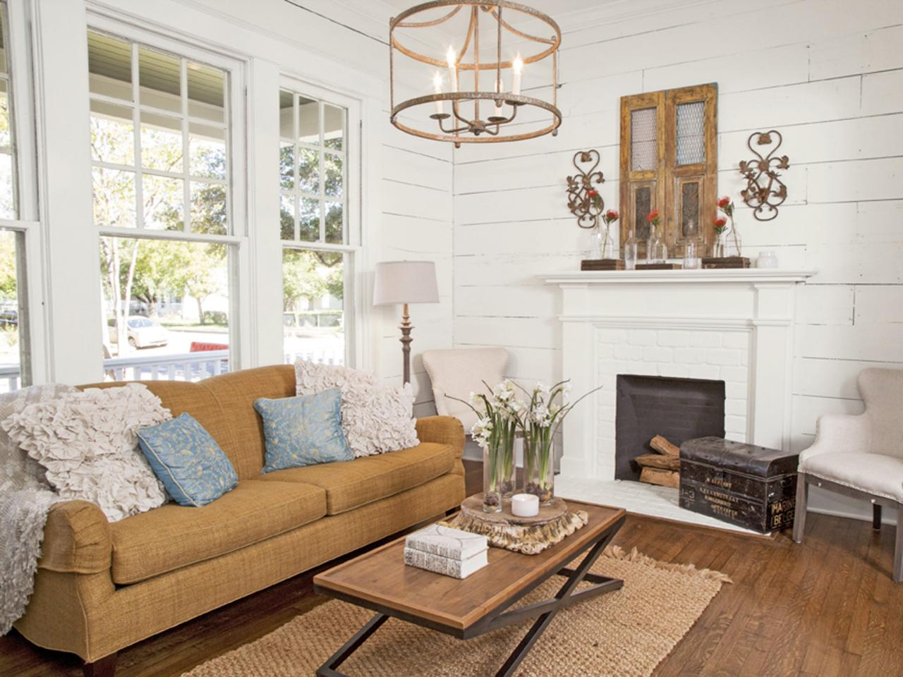 Decorating With Shiplap Ideas From HGTVs Fixer Upper HGTVs Fixer 1280x960