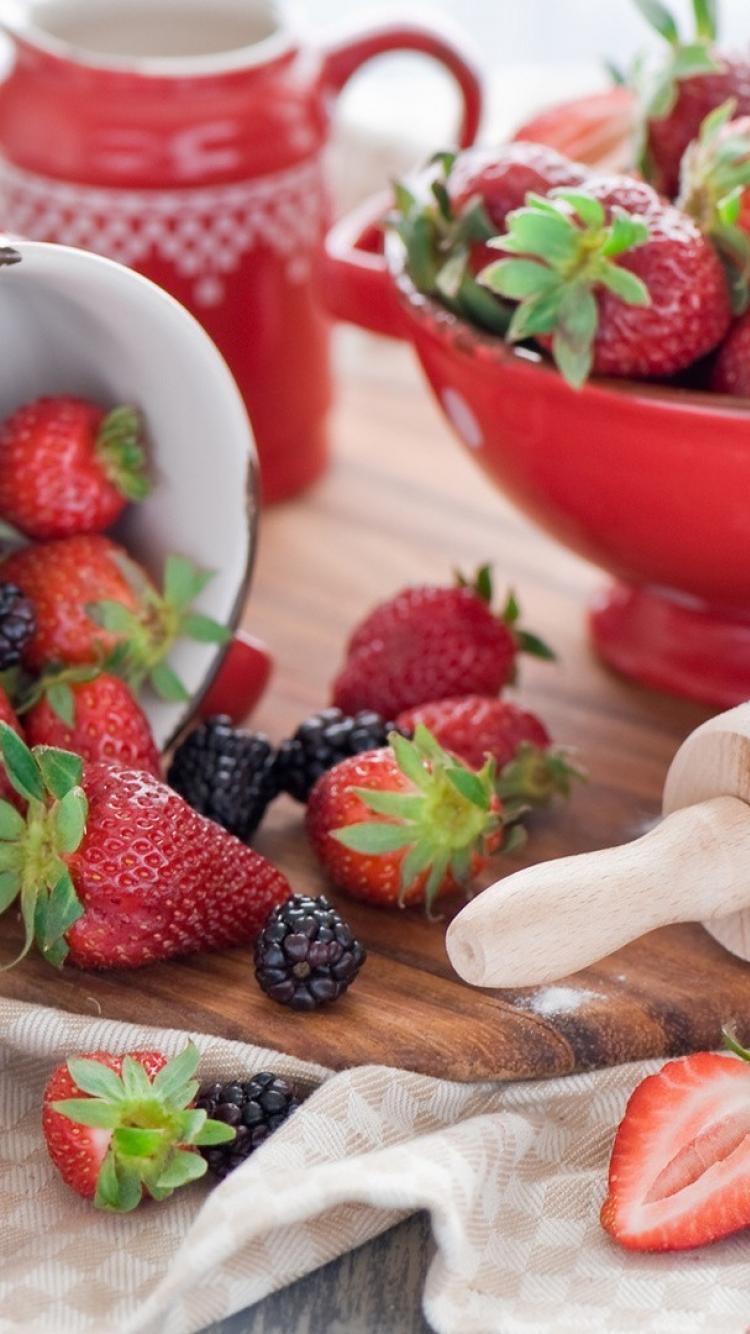 Kitchen strawberries food art wallpaper 71536 750x1334