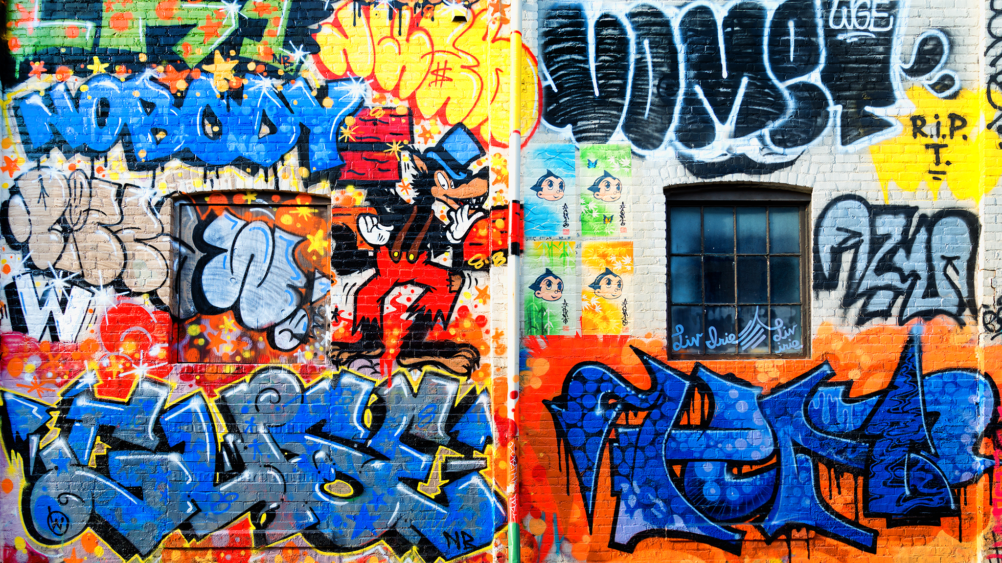 Graffiti Wallpaper 2048 x 1152 169 Flickr   Photo Sharing 2048x1152