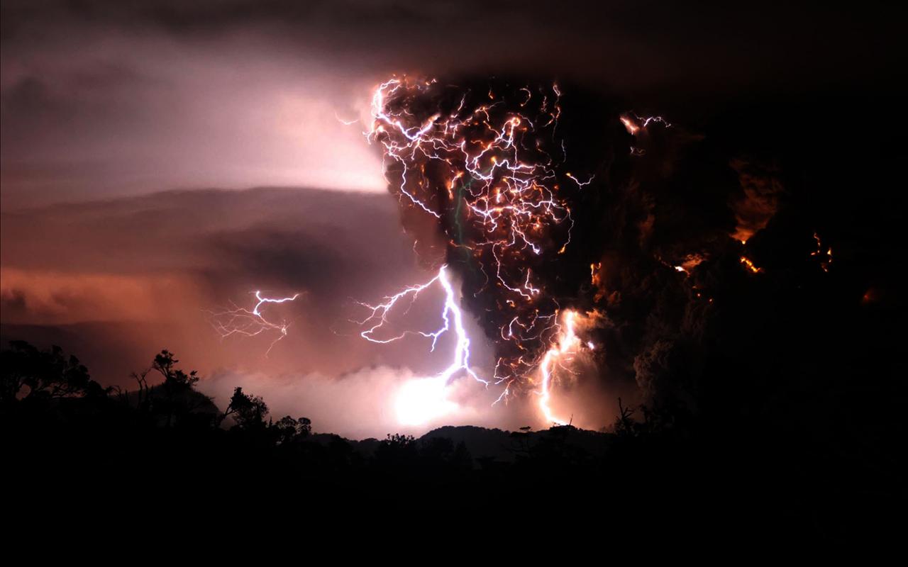 44+] Volcanic Lightning Wallpaper on WallpaperSafari