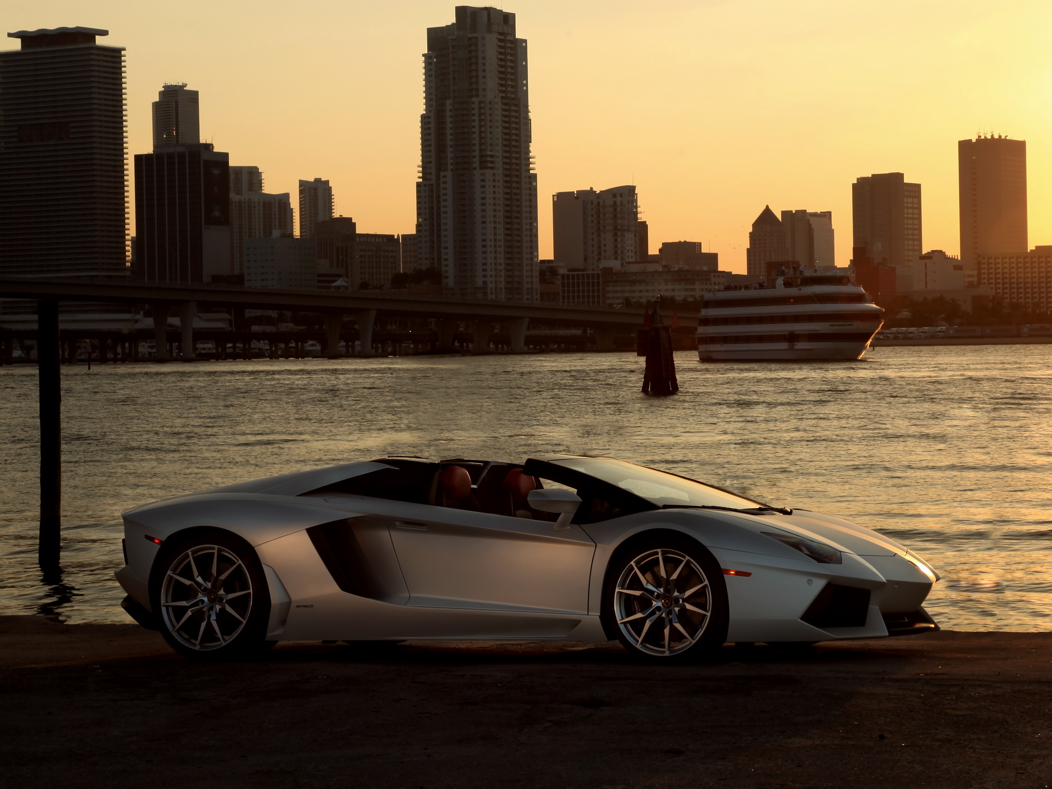 2014 Lamborghini Aventador Roadster supercar silver cities wallpaper 2048x1536