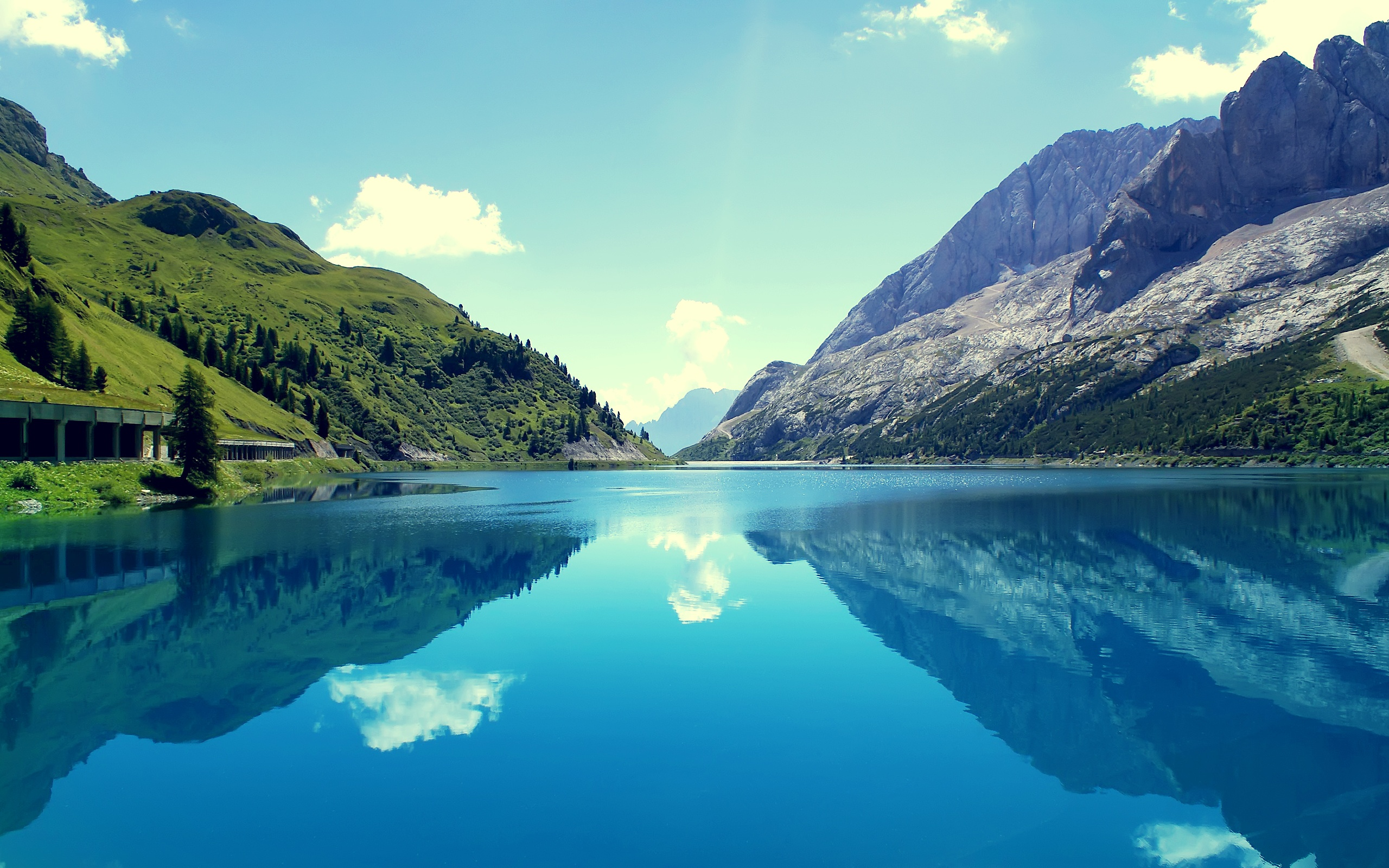 Download Marmoleda Mountain Reflections Wallpaper for 2560 x 1600 2560x1600