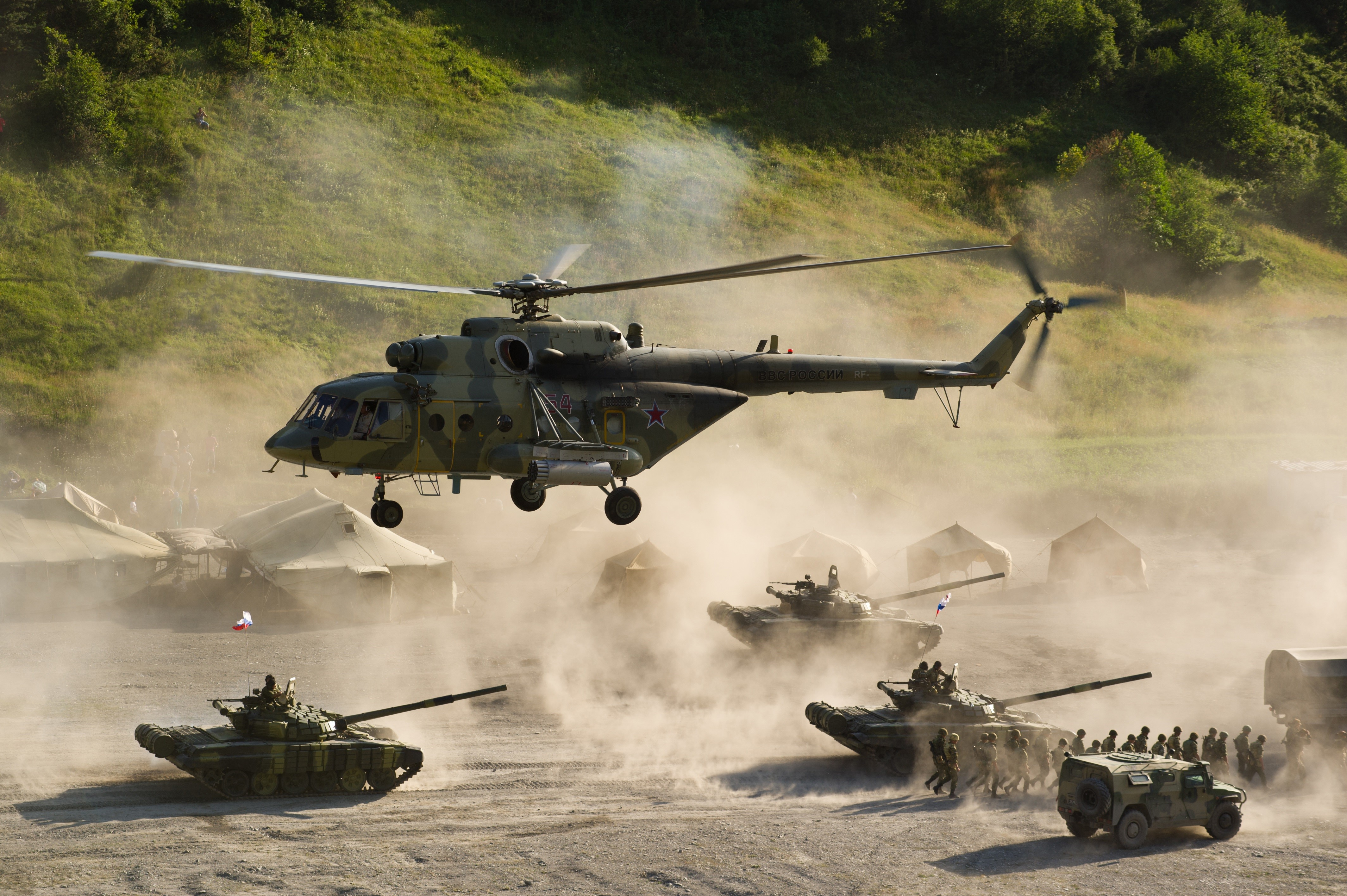 US Army Tank and Helicopter HD Photo HD Famous Wallpapers 4256x2832