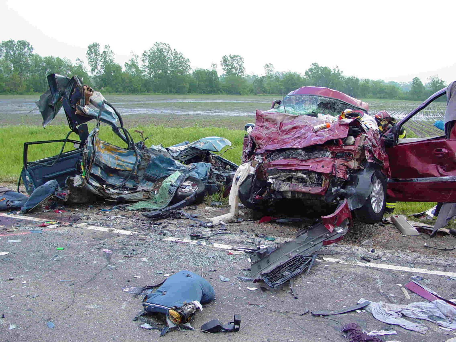 Cool Car Wallpaper Car Crash 1600x1200
