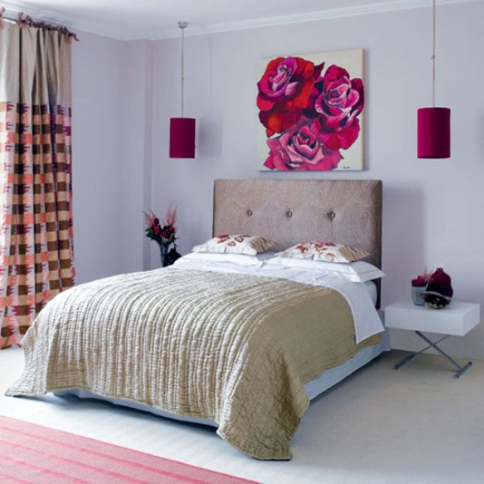 Valentine Bedroom Design with Ornamental Flowers and Flower Wallpaper 700x700