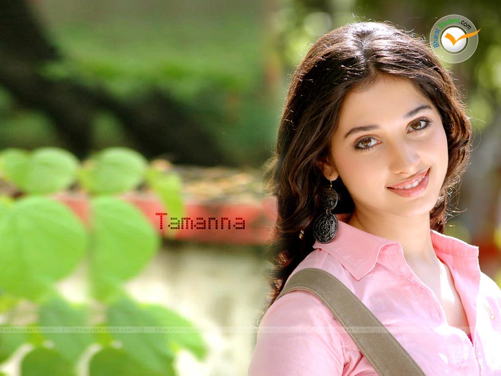 Hot Bollywood Actress Wallpaper 1024x768